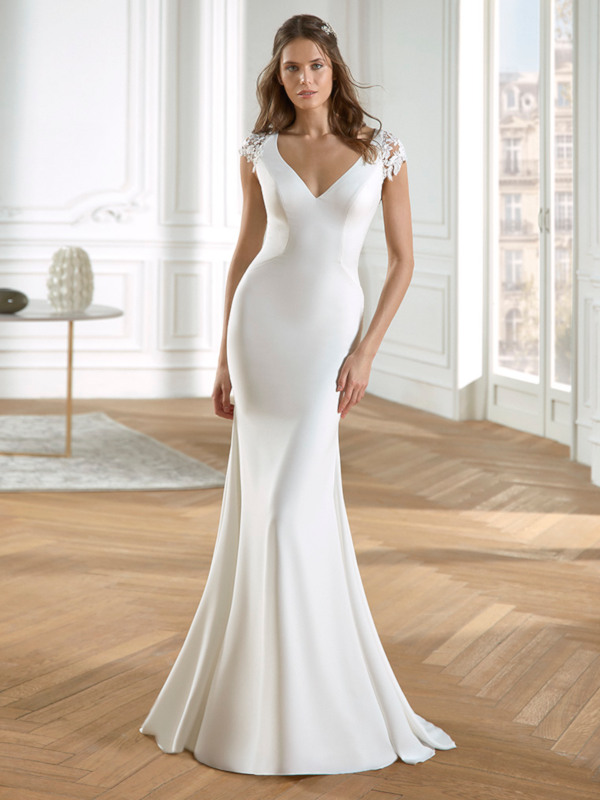 Vestido de novia sirena en crepe.